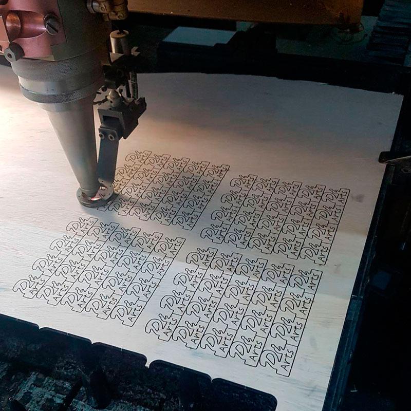 Corte a laser de madeira